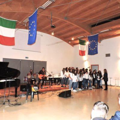 Coro dell'I.C. Dante Alighieri con Fausto Mesolella